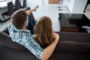 תליית טלויזיה מהתקרה